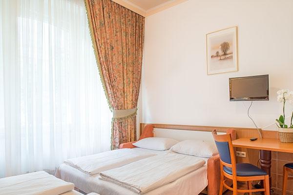 Vierbettzimmer - Hotel MARC AUREL - Wien