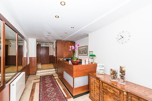 Rezeption - Hotel MARC AUREL - Wien
