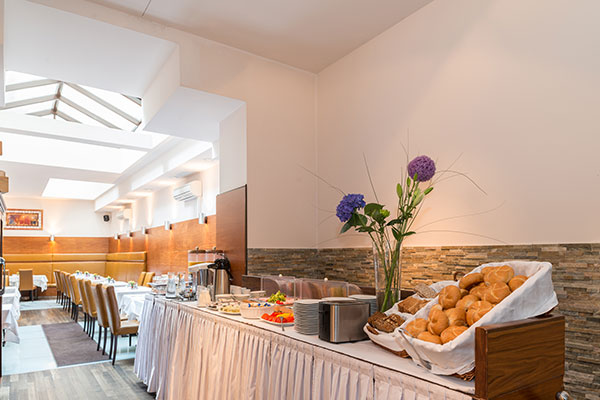 Breakfast Buffet - Hotel MARC AUREL - Vienna